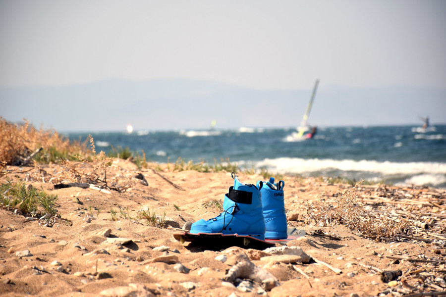 local-warz-kitesurf-frestyle-battle-loutsa-weridelocal-boots