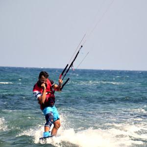 local-warz-kitesurf-frestyle-battle-loutsa-weridelocal-dimitro
