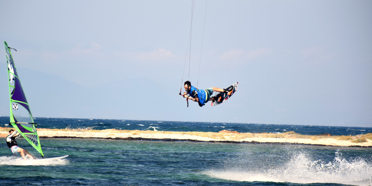 local-warz-kitesurf-frestyle-battle-loutsa-weridelocal-fotis