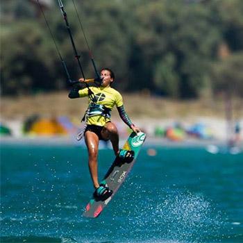 kitesurf-malavita-weridelocal-team-rider-ellie-samoladou-4