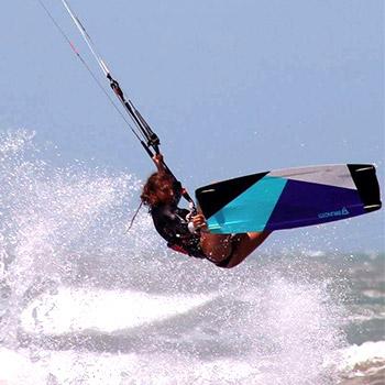 kitesurf-malavita-weridelocal-team-rider-ellie-samoladou-5
