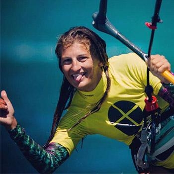 kitesurf-malavita-weridelocal-team-rider-ellie-samoladou-prof