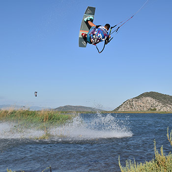 weridelocal-malavita-kitesurf-team-rider-softas-e1
