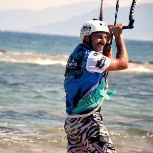 local-warz-kitesurf-frestyle-battle-loutsa-weridelocal-christos
