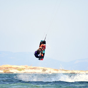 local-warz-kitesurf-frestyle-battle-loutsa-weridelocal-tsavalos